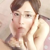 激搾り痴女お姉さん♪プルプル巨乳♪眼鏡美女のフェラ顔にねっとり顔射!-のサムネイル画像