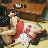 神社に不法侵入レイプ巫女の処女を確かめる為に!眠らせて生ハメ姦通撮影!-のサムネイル画像