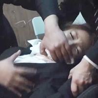 昏睡させてハメ撮り!就活に来た女子大生をヤる!面接室で中出し集団レイプ-のサムネイル画像