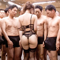 長谷川るいちゃんがセクシーな下着を着たまま49人の男優さんと乱交します!-のサムネイル画像