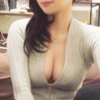 ナンパした女の谷間がズルすぎ…推定Gカップのおっぱいを自宅で揉みしだくw-のサムネイル画像